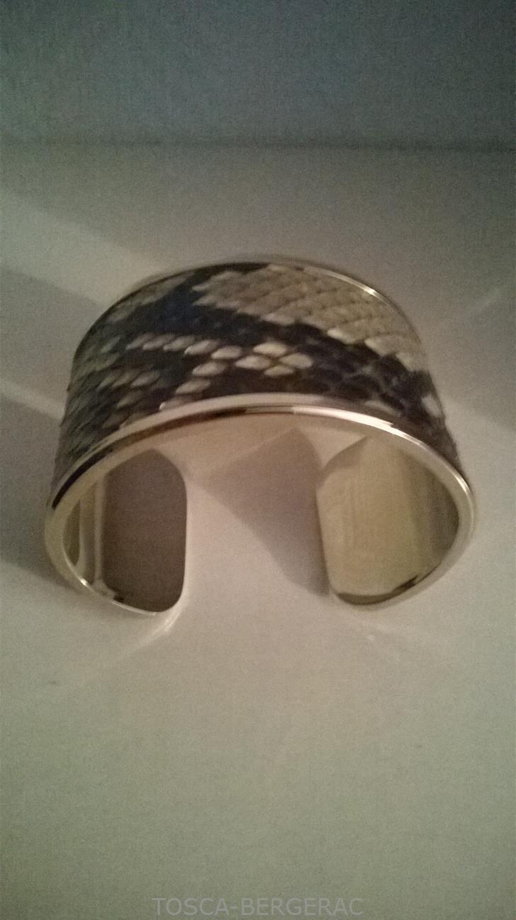 Beaux bracelets chez TOSCA BERGERAC...
